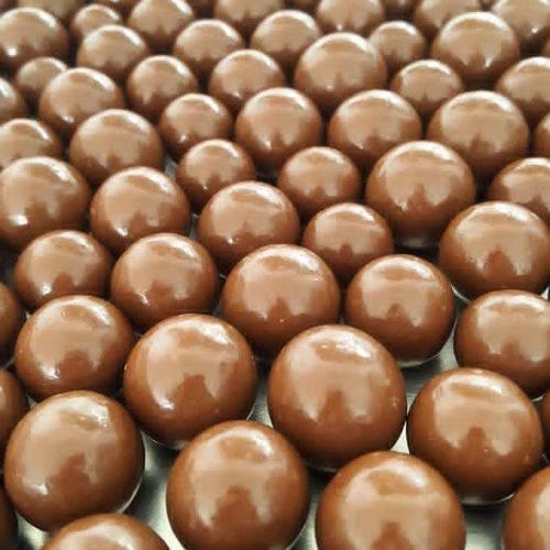 Dragee Amendoa Chocolate ao Leite Granel 1kg