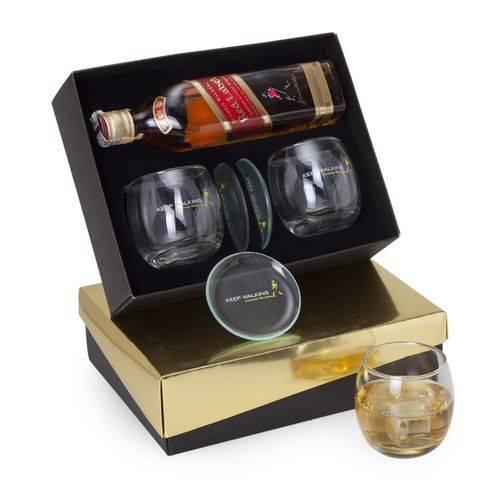 Kit Whisky Johnnie Walker Red Label 500ml + 2 Copos Presonalizados + 2 Porta Copos (SQ16165)